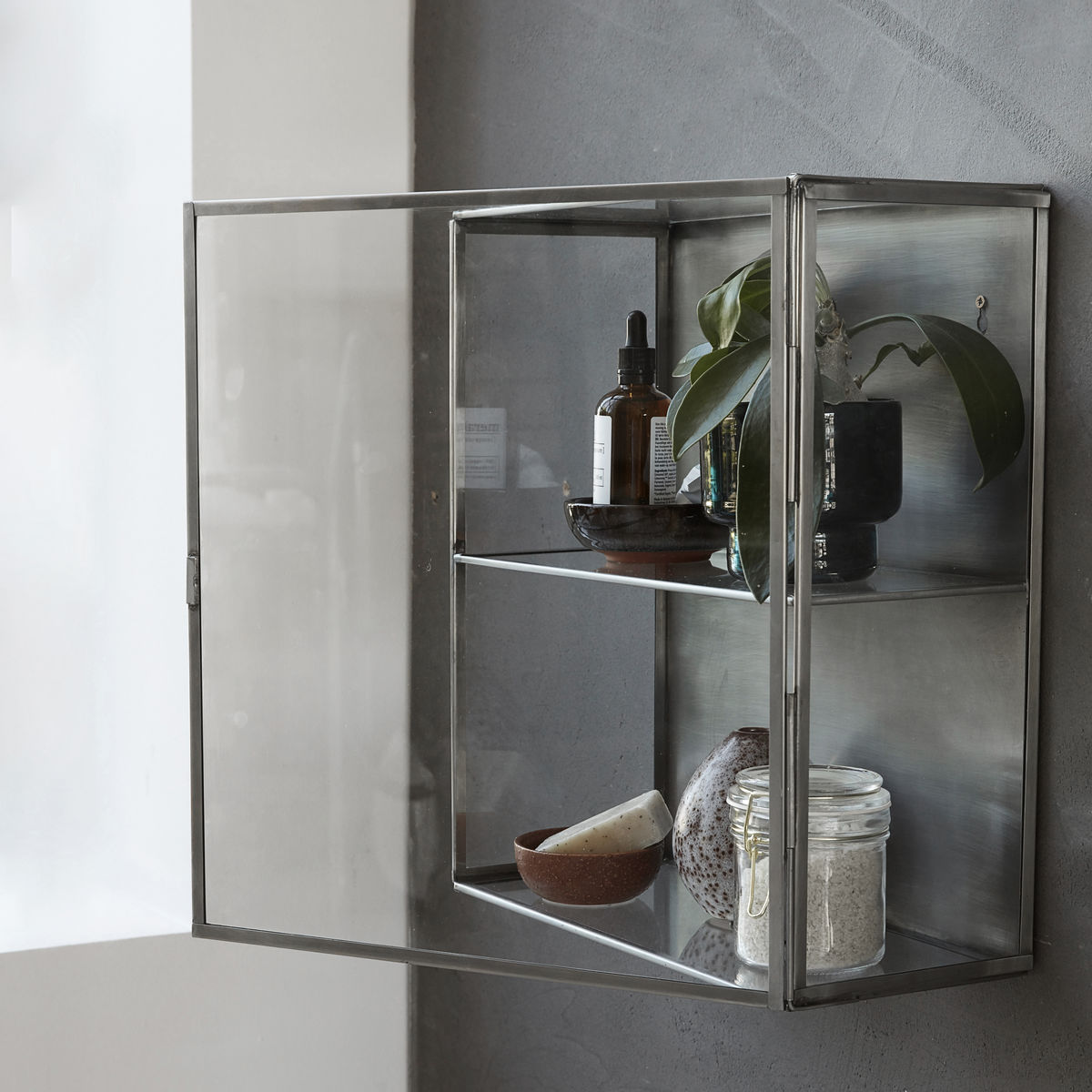 Ultra Lille glasskab i zink | House Doctor - Skabe - Thomsons TR92