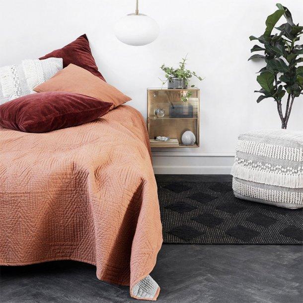 Sengetæppe Tria brun orange 140x220 cm | House Doctor