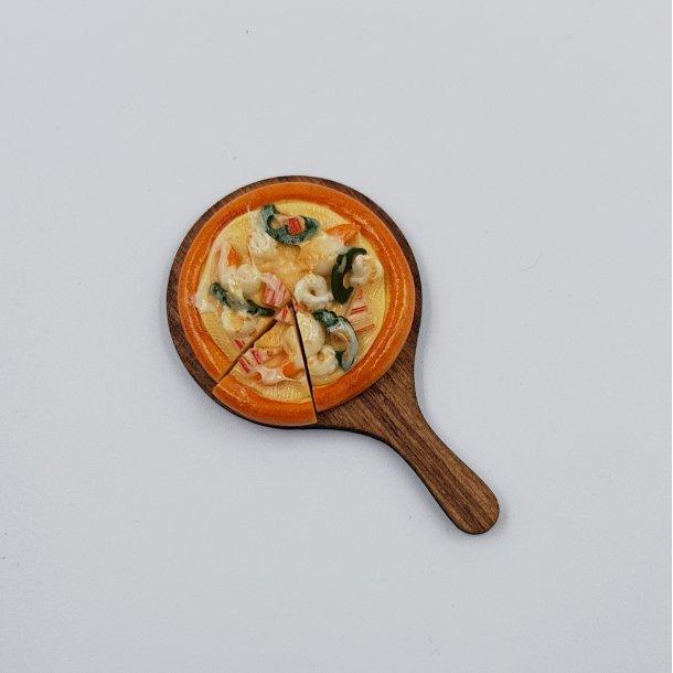 Miniature pizza seafood