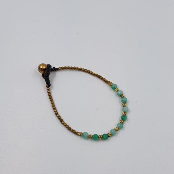 Turkis armbånd med små perler